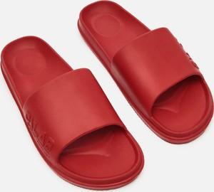 Czerwone buty letnie męskie Cropp