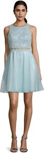 Sukienka Vera Mont z okrągłym dekoltem mini
