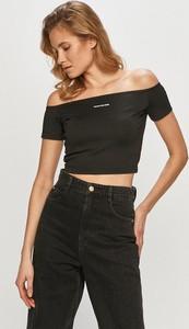 Bluzka Calvin Klein z dzianiny z krótkim rękawem z okrągłym dekoltem