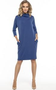 Niebieska sukienka sukienki.pl z golfem z długim rękawem