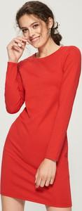 Czerwona sukienka Sinsay w stylu casual z długim rękawem midi