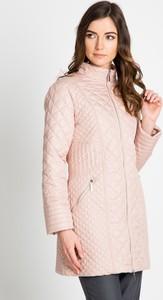 Różowy płaszcz QUIOSQUE w stylu casual