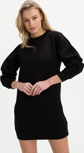 Czarna sukienka Guess z okrągłym dekoltem w stylu casual