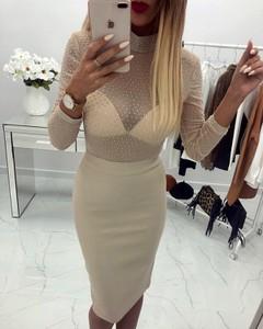 Sukienka chicaca w młodzieżowym stylu