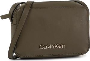 Brązowa torebka Calvin Klein w stylu casual średnia matowa
