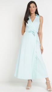 Niebieska sukienka born2be bez rękawów