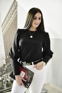 Czarna bluzka Fason