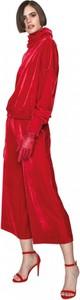 Czerwony sweter ANETA KRĘGLICKA X L'AF w sportowym stylu