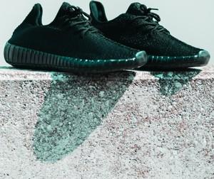 Czarne buty sportowe BREEZY sznurowane