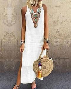 Sukienka Kendallme z dekoltem w kształcie litery v z lnu