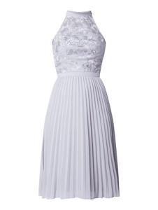Niebieska sukienka Chi Chi London bez rękawów z szyfonu z dekoltem halter