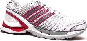Sneakersy Adidas Performance z płaską podeszwą z nadrukiem sznurowane