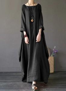 Czarna sukienka Arilook z okrągłym dekoltem w stylu boho z długim rękawem