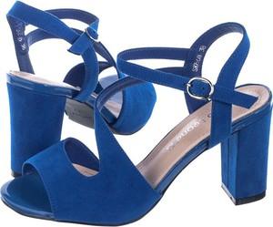 Niebieskie sandały Sergio Leone na wysokim obcasie na słupku