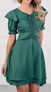Zielona sukienka Justmelove z krótkim rękawem mini