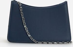 Niebieska torebka Reserved na ramię w stylu glamour ze skóry