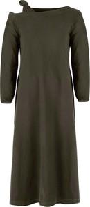 Zielona sukienka By Insomnia z długim rękawem w stylu casual z okrągłym dekoltem