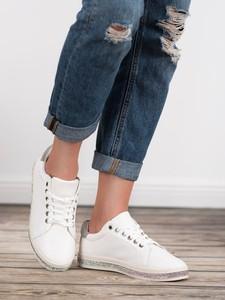 Buty sportowe Czasnabuty w sportowym stylu z płaską podeszwą sznurowane