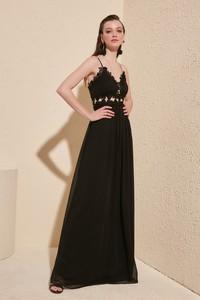 Sukienka Trendyol maxi z dekoltem w kształcie litery v