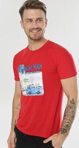 T-shirt born2be w młodzieżowym stylu z krótkim rękawem
