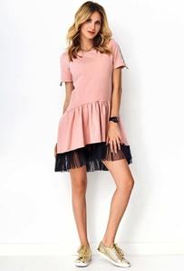 Różowa sukienka Makadamia