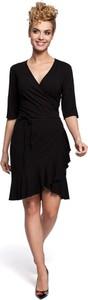 Czarna sukienka Merg z dekoltem w kształcie litery v z długim rękawem