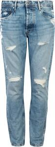 Jeansy ubierzsie.com w młodzieżowym stylu