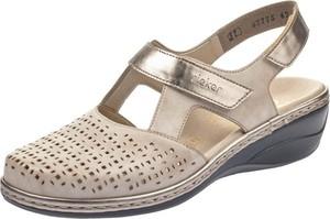 Sandały Rieker na średnim obcasie w stylu casual