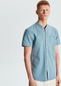 b9de30996945b7 Niebieska koszula Cropp z klasycznym kołnierzykiem
