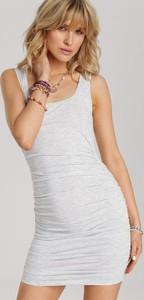 Sukienka Renee z okrągłym dekoltem dopasowana