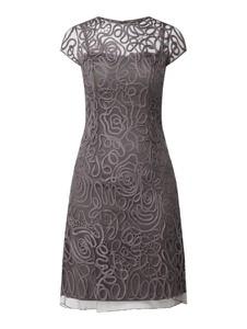 Brązowa sukienka Luxuar trapezowa z okrągłym dekoltem