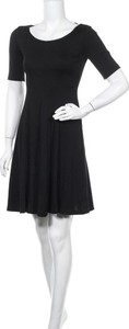 Czarna sukienka Kappahl mini z krótkim rękawem