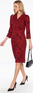 Czerwona sukienka Lavard z dekoltem w kształcie litery v z długim rękawem