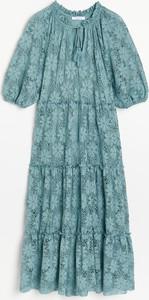 Niebieska sukienka Reserved z dzianiny maxi