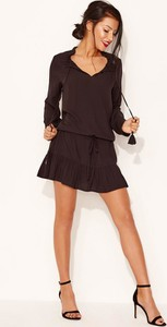 Czarna sukienka Diverse mini z długim rękawem