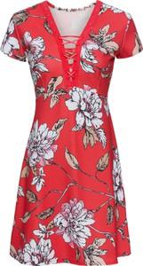 Czerwona sukienka bonprix BODYFLIRT boutique z krótkim rękawem