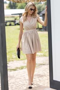 Sukienka Maravilla Boutique bez rękawów z dekoltem w kształcie litery v