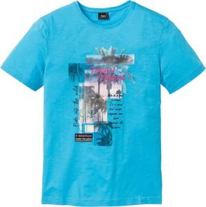 Niebieski t-shirt bonprix bpc bonprix collection z nadrukiem w młodzieżowym stylu