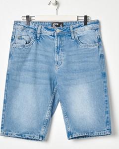 Niebieskie spodenki Sinsay z jeansu