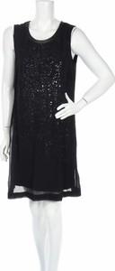 Czarna sukienka Ciso bez rękawów z okrągłym dekoltem