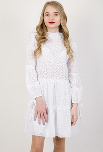 Sukienka Olika z okrągłym dekoltem