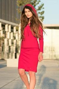 Czerwona spódnica Bien Fashion w stylu casual midi z dzianiny