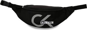 Czarna torebka Calvin Klein lakierowana