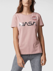 Różowy t-shirt Alpha Industries z okrągłym dekoltem z krótkim rękawem w młodzieżowym stylu