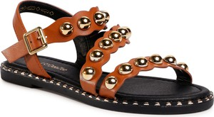 Brązowe sandały eobuwie.pl w stylu casual z klamrami z płaską podeszwą