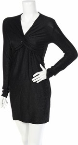 Sukienka Madam Rage z dekoltem w kształcie litery v prosta