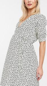New Look Maternity – Czarna kopertowa sukienka mini z bufkami w kwiatowy wzór-Biały