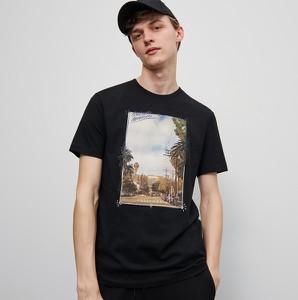 Czarny t-shirt Reserved z nadrukiem z krótkim rękawem