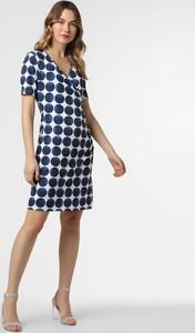Niebieska sukienka More & More z krótkim rękawem kopertowa