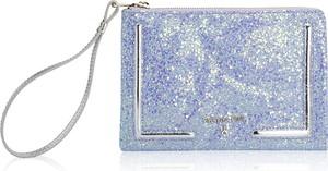 Niebieska torebka Patrizia Pepe w wakacyjnym stylu ze skóry